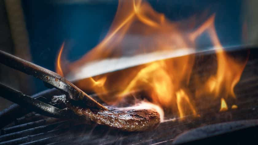 9 Best Gas Grills Under $300 in 2021 | Review & Comparison